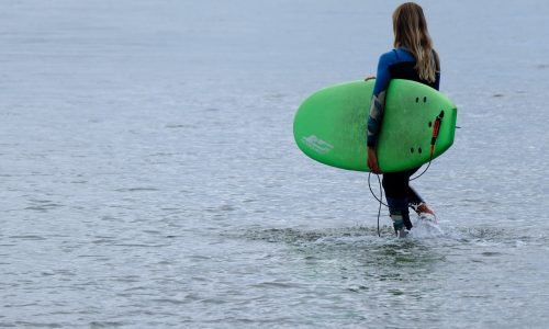 28 Beginner surfing tips to make you a better surfer