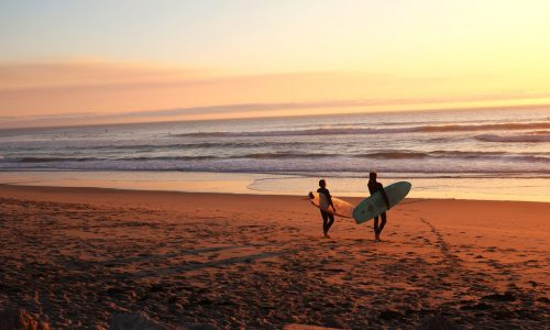 26 Best places to learn to surf in the world